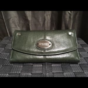 Green Kenneth Cole Reaction wallet